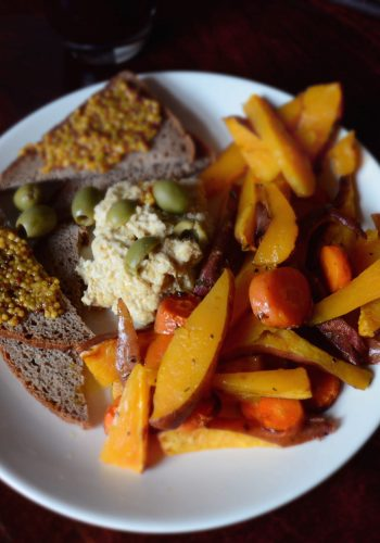 Sweet potato fries with carrots, hummus and whole grain bread