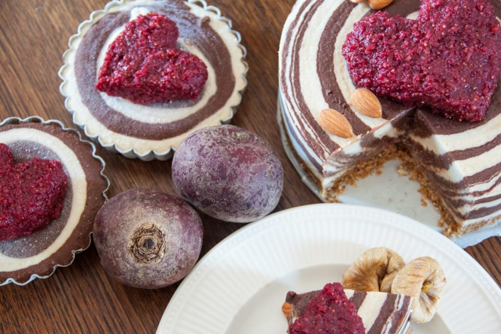 Sugar free zebra cake with two little cakes and beetroot
