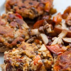 Lentil burgers with mushrooms and bell pepper