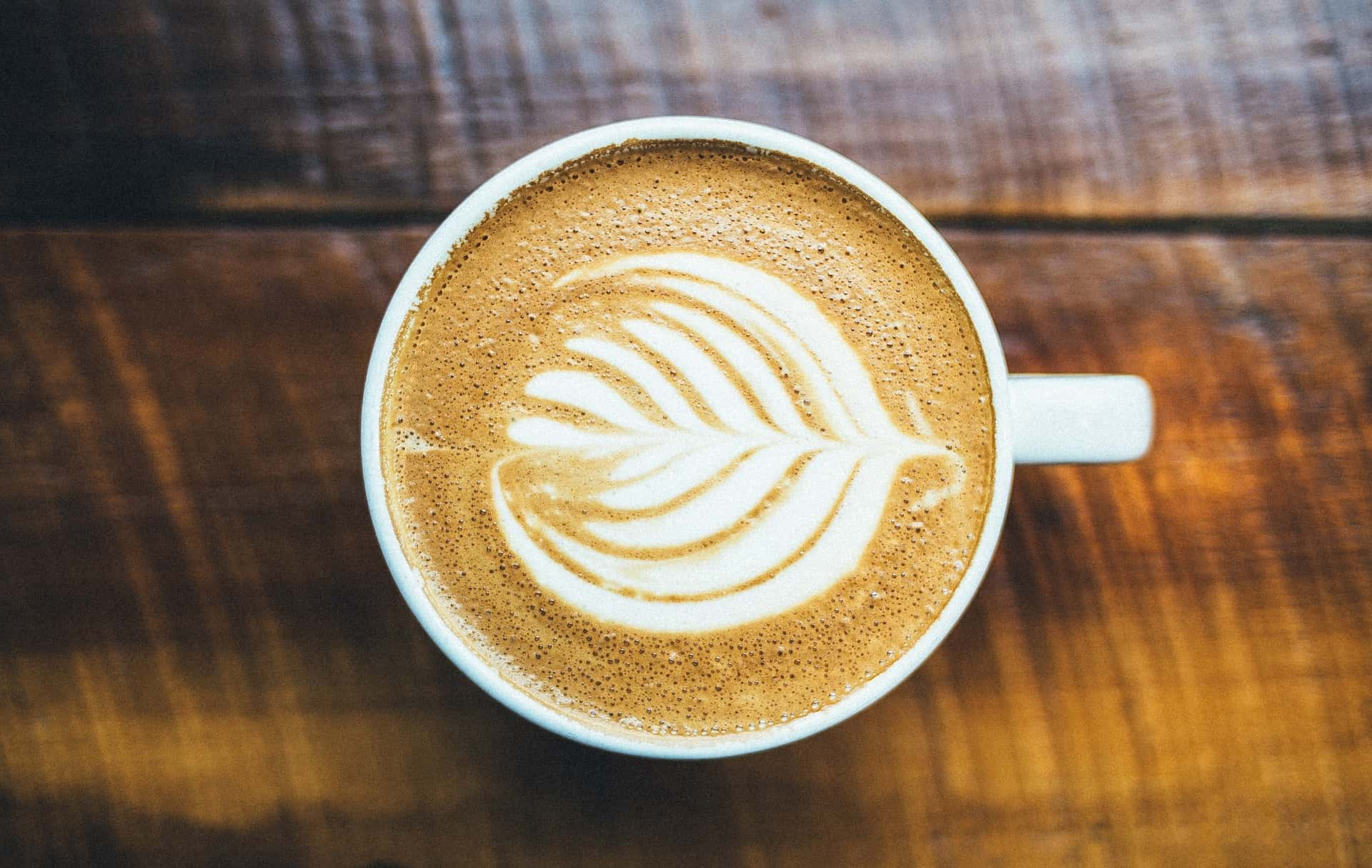 A cappuccino with latte art